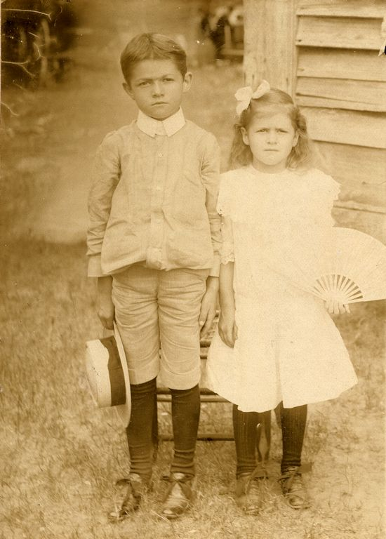 Harwood and Gracie Collins, July 1907